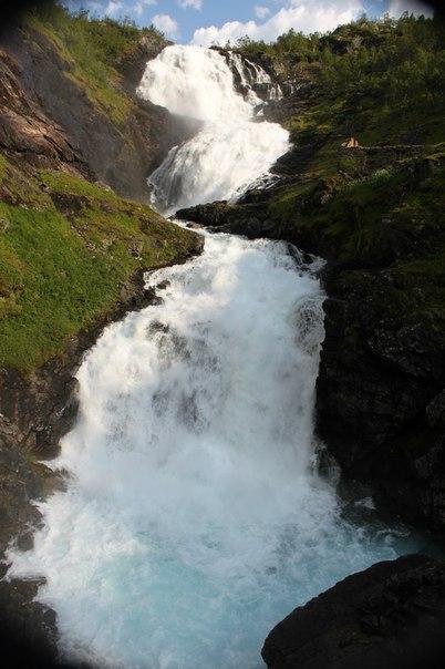 Водопад Kjosfossen